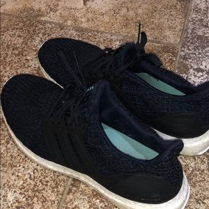 Adidas parley size 9.5 mens